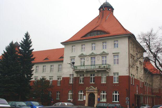 szpital_rydultowy