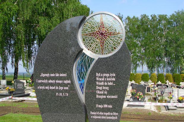 pomnik_slawikow